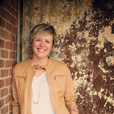 Episode 13: Rocking Your Brand with Melanie Spring from Sisarina